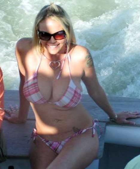 La miss Sheperd, conocida en el mundo del porno como Leah Lusy